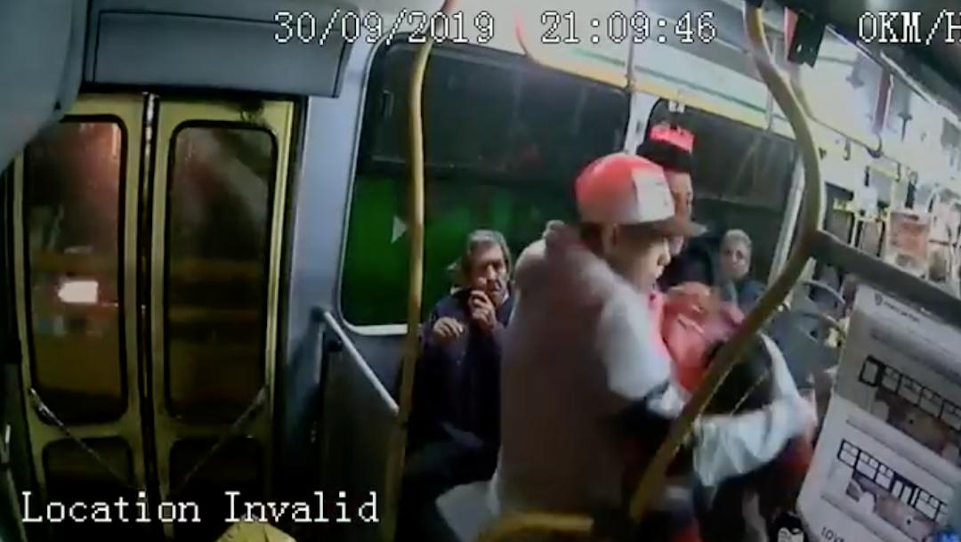 Foto Pasajeros frustran asalto a transporte público en la CDMX 7 octubre 2019