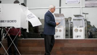 Imagen: Representantes de la Coparmex en Baja California, señalaron que la consulta es ilegal, 13 de octubre de 2019 (Omar Martínez /Cuartoscuro.com)