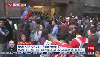 FOTO: Manifestantes Embajada Chile México