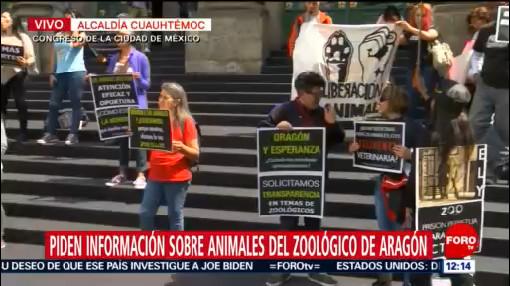 Manifestantes exigen información sobre animales del Zoológico de Aragón, CDMX
