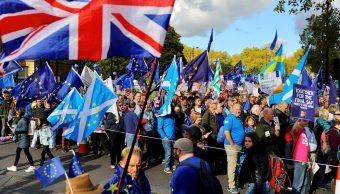Foto: Miles de personas marchan en el centro de Londres para pedir un segundo referéndum sobre el Brexit, 19 octubre 2019