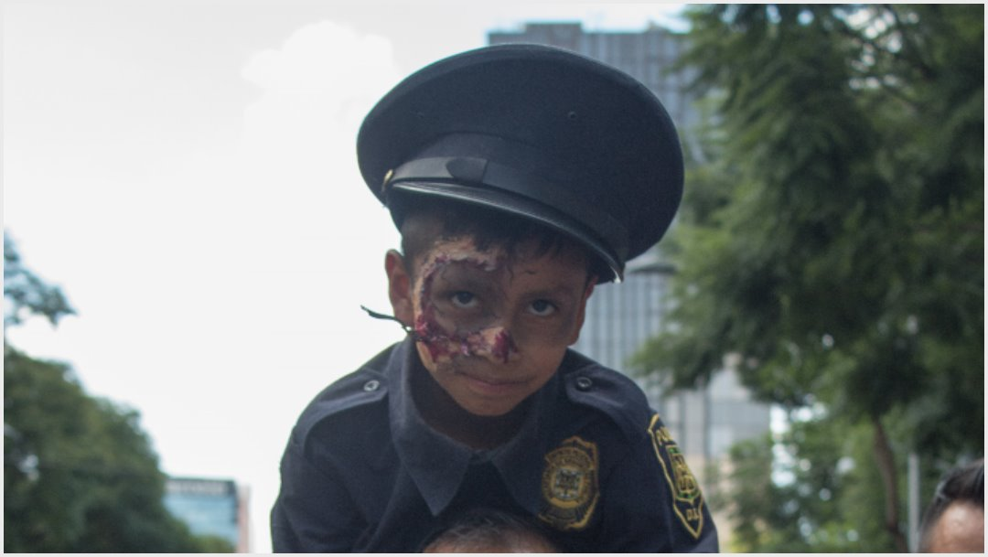 Photo: Children also join the zombie march on CDMX, October 19, 2019 (MARIO JASSO / CuARTOSCURO.COM)