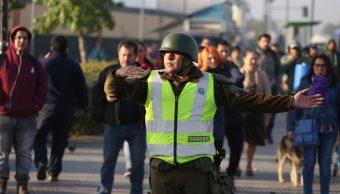Foto: Grupos violentos han radicalizado una protesta social que tuvo el alza del precio del metro de Santiago como detonante, 21 de octubre de 2019 (EFE)