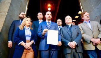 Foto: Partido Acción Nacional y Movimiento Ciudadano presentan recurso contra la llamada 'ley Bonilla, el 18 de octubre de 2019 (Twitter @MarkoCortes)