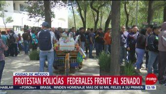 FOTO: Policías federales protestan frente Senado República,