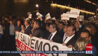 FOTO: Protestan 200 Alcaldes Afuera Palacio Nacional