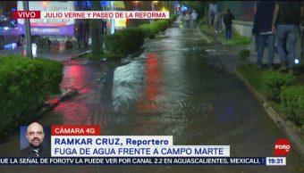 FOTO: Se registra fuga de agua frente a Campo Marte, 19 octubre 2019