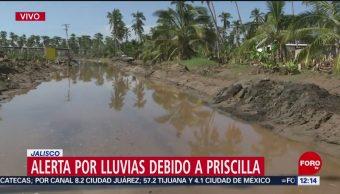 Sigue cerrado paso en Cihuatlán, Jalisco, por efectos de 'Priscilla'