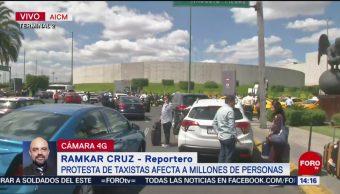 FOTO: Taxista Bloquearon Entrada Terminal 2 AICM