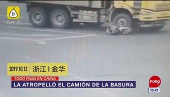 Todo Pasa En China: La atropelló el camión de la basura