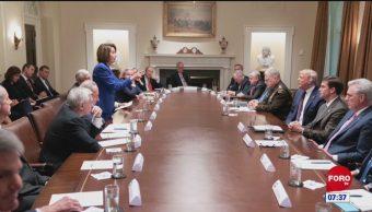 Trump y Pelosi intercambian críticas durante reunión