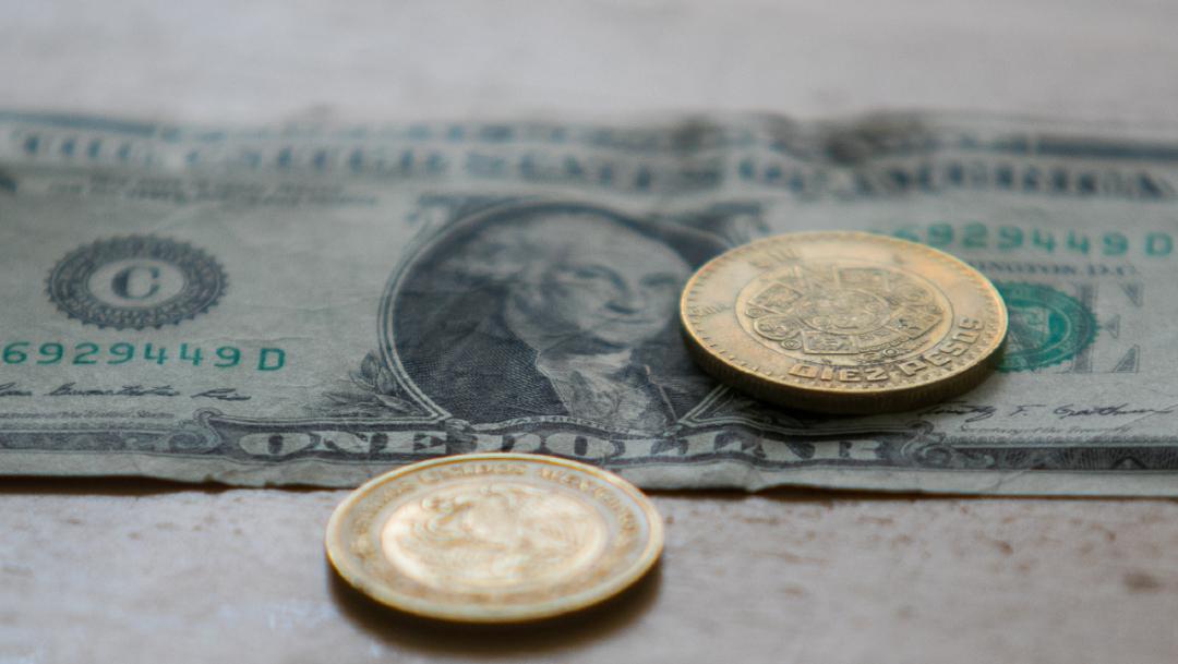 Foto: El peso mexicano se deprecia frente al dólar americano. (Foto: 29 noviembre 2019