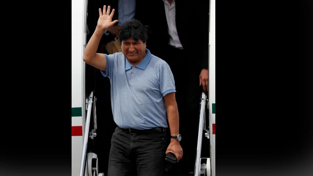 Foro: AMLO: Cuestionar gastos por Evo Morales es 'mezquino'