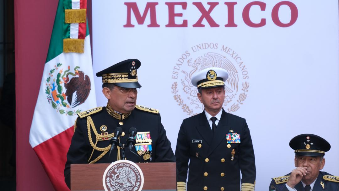 Imagen: AMLO niega fusión de Sedena con Semar; en la imagen, Cresencio Sandoval y Rafael Ojeda, el 28 de noviembre de 2019 (Cuartoscuro/archivo)