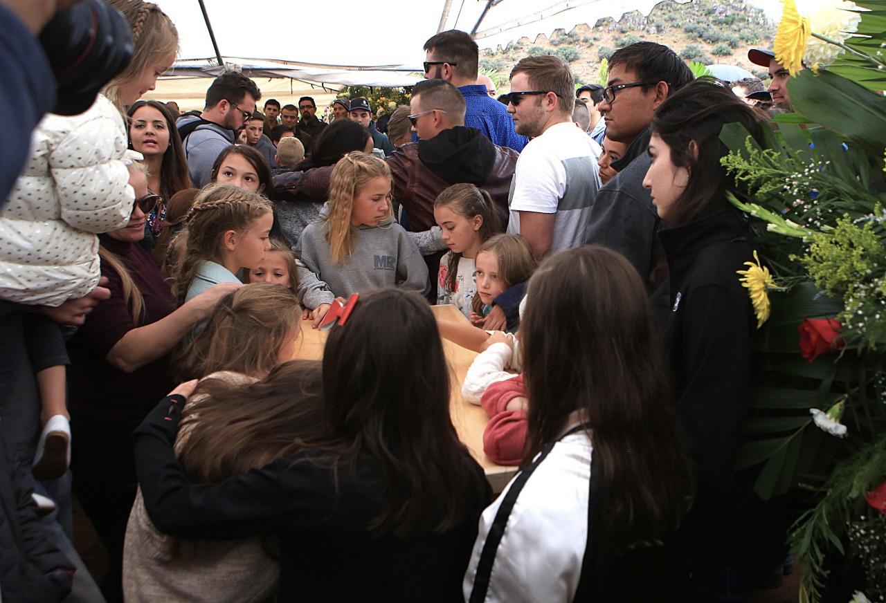 Foto: Familia LeBarón despide a última víctima de masacre, 9 de noviembre de 2019, (NACHO RUÍZ /CUARTOSCURO.COM)