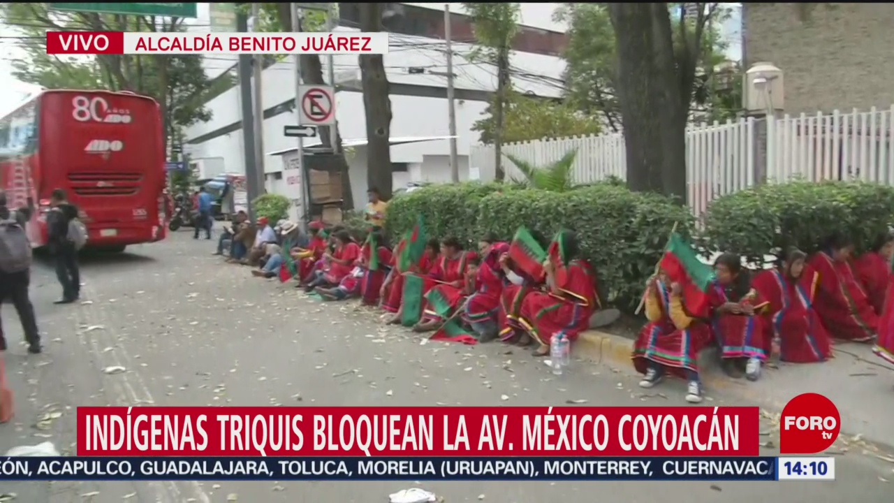 FOTO: Indígenas triquis bloquean parcialmente avenida México-Coyoacán