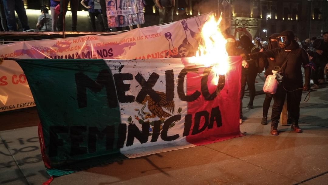 FOTO: Día contra la violencia a las mujeres en México, marcado por el vandalismo