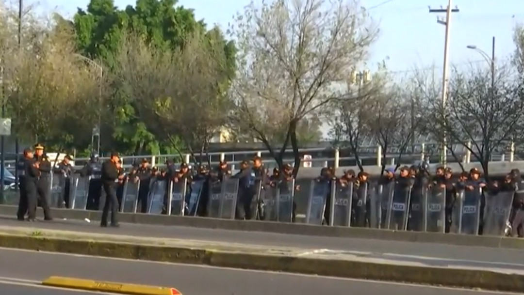 Foto: Cercan a campesinos para que no irrumpan en desfile de 20 de noviembre
