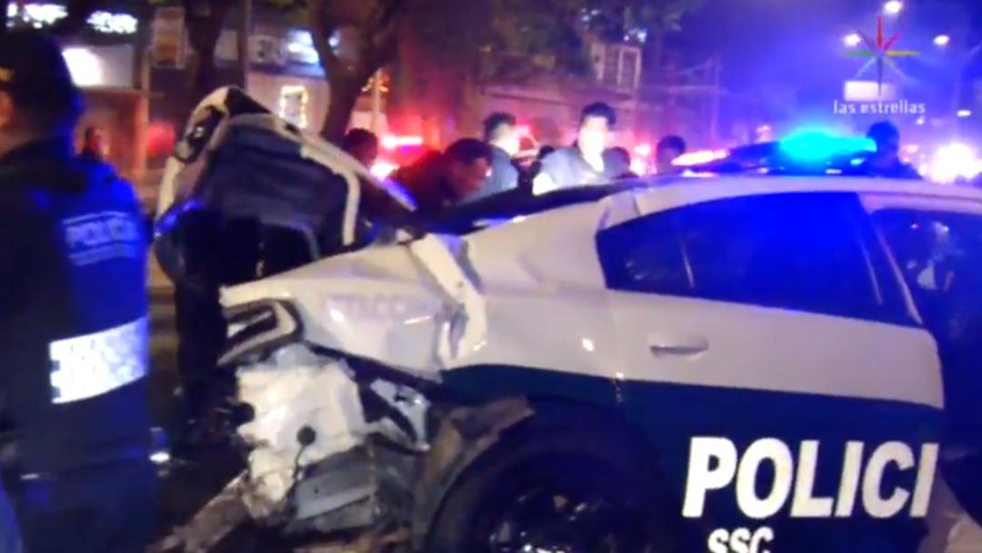 FOTO Ladrones chocan auto robado al huir de la Policía (Noticieros Televisa)
