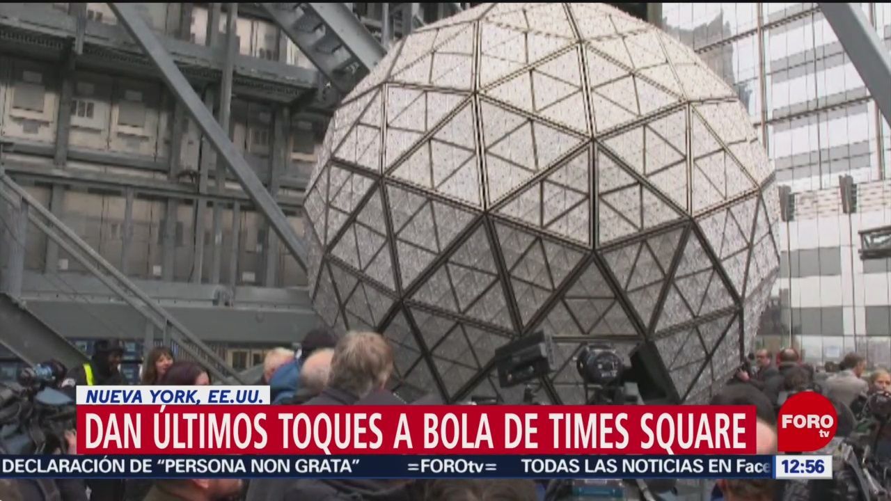 Foto: dan ultimos retoques a bola de ano nuevo en times square