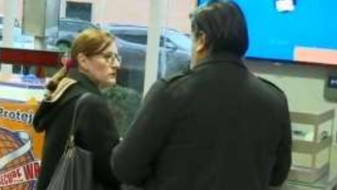 FOTO Embajadora de México sale de Bolivia, tras expulsión (Twitter)