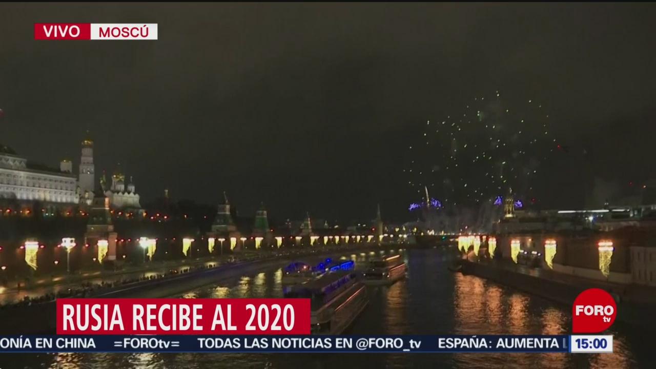FOTO: 31 diciembre 2019, rusia recibe 2020 con espectaculo de fuegos artificiales