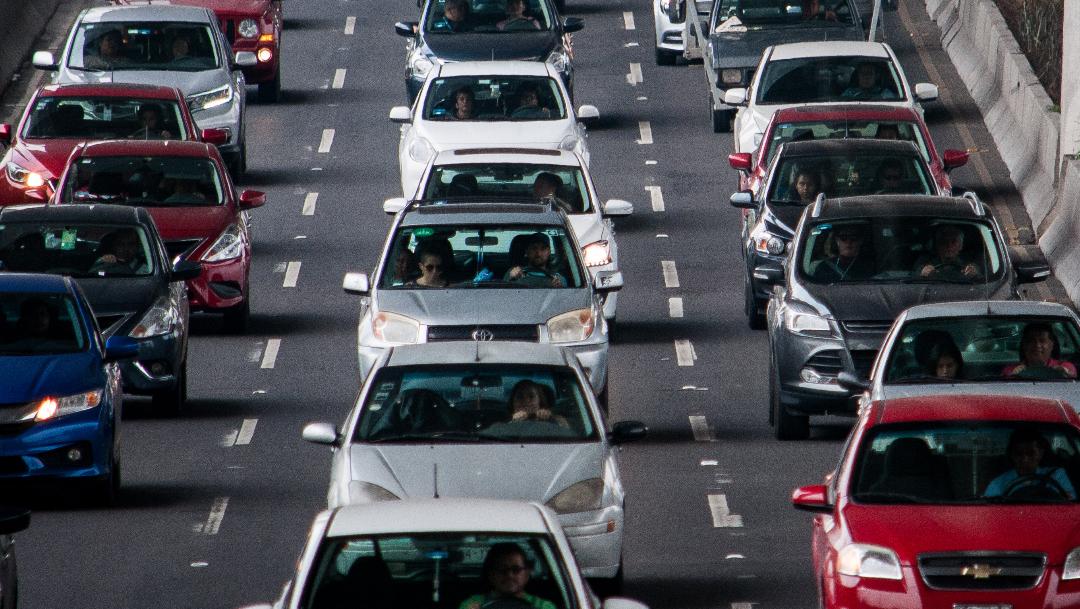¿Pueden multarte por viajar solo en tu automóvil en CDMX?