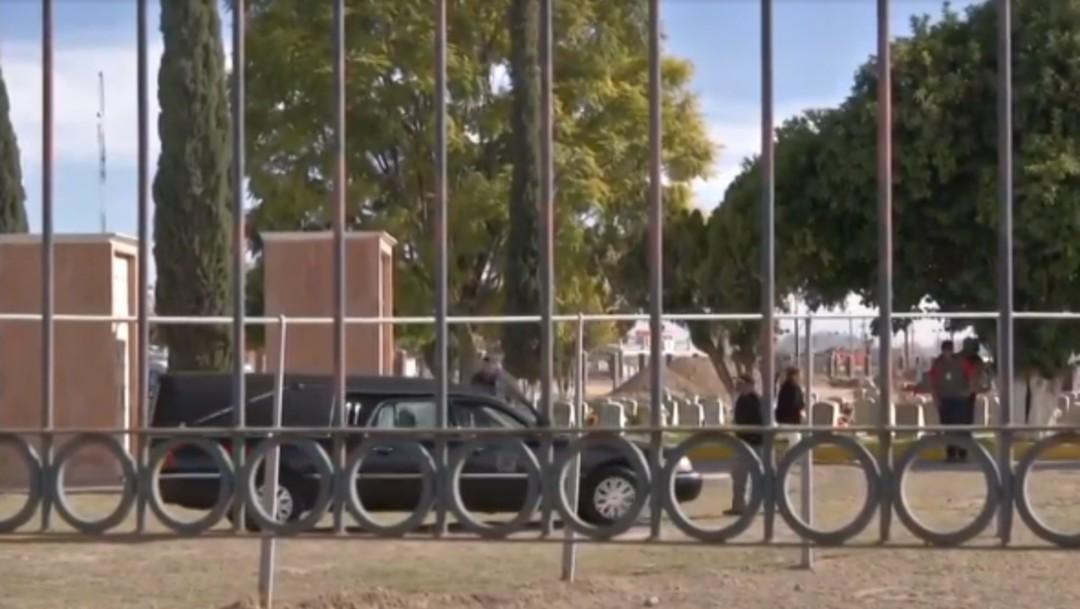 Foto: Sepultan a niño autor de tiroteo en escuela de Torreón, 12 de enero de 2020 (Noticieros Televisa)