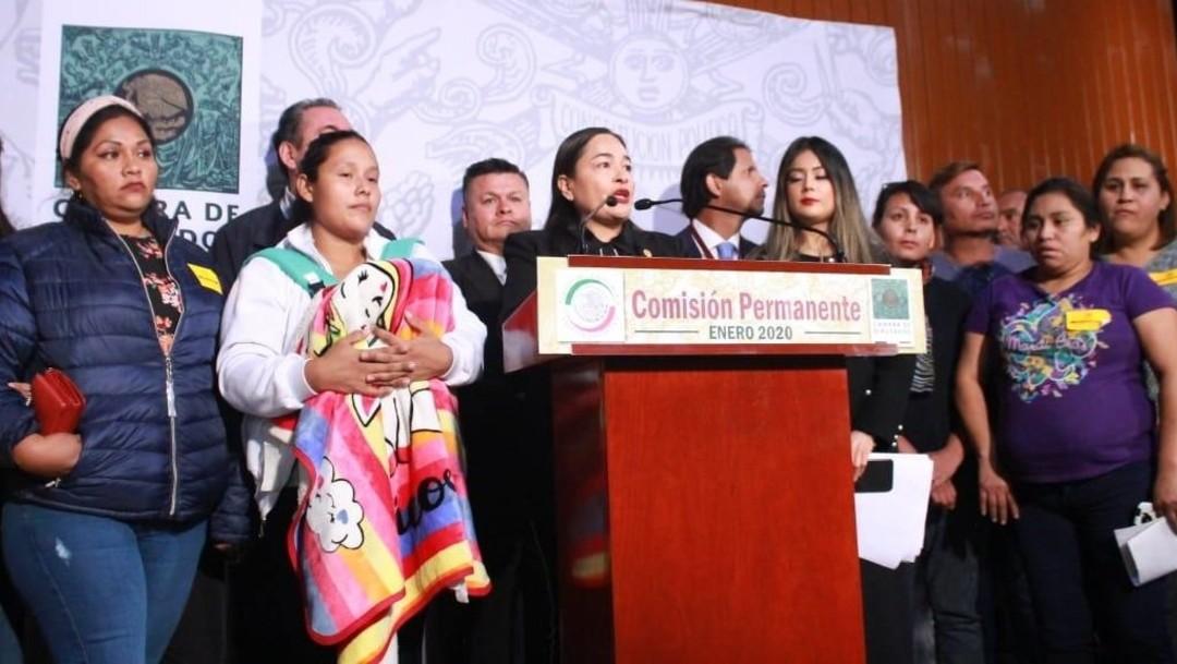Padres de niños con cáncer protestanen Cámara de Diputados