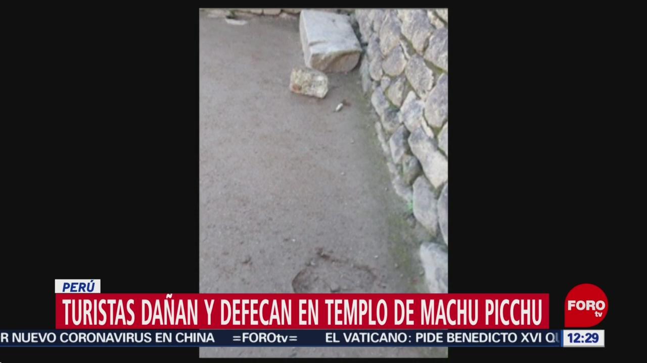 turistas hacen popo en templo de machu picchu