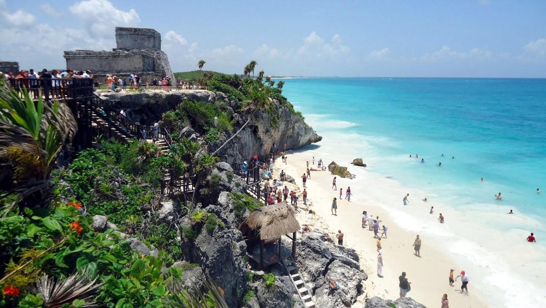 Foto:AMLO considera que eliminación de 'puentes' no afectará al turismo