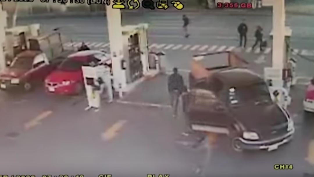 Foto Comando armado asalta gasolinera en Ecatepec 5 febrero 2020