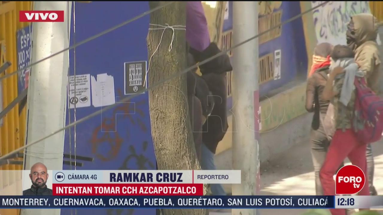 encapuchados intentan tomar cch azcapotzalco lanzan bombas molotov