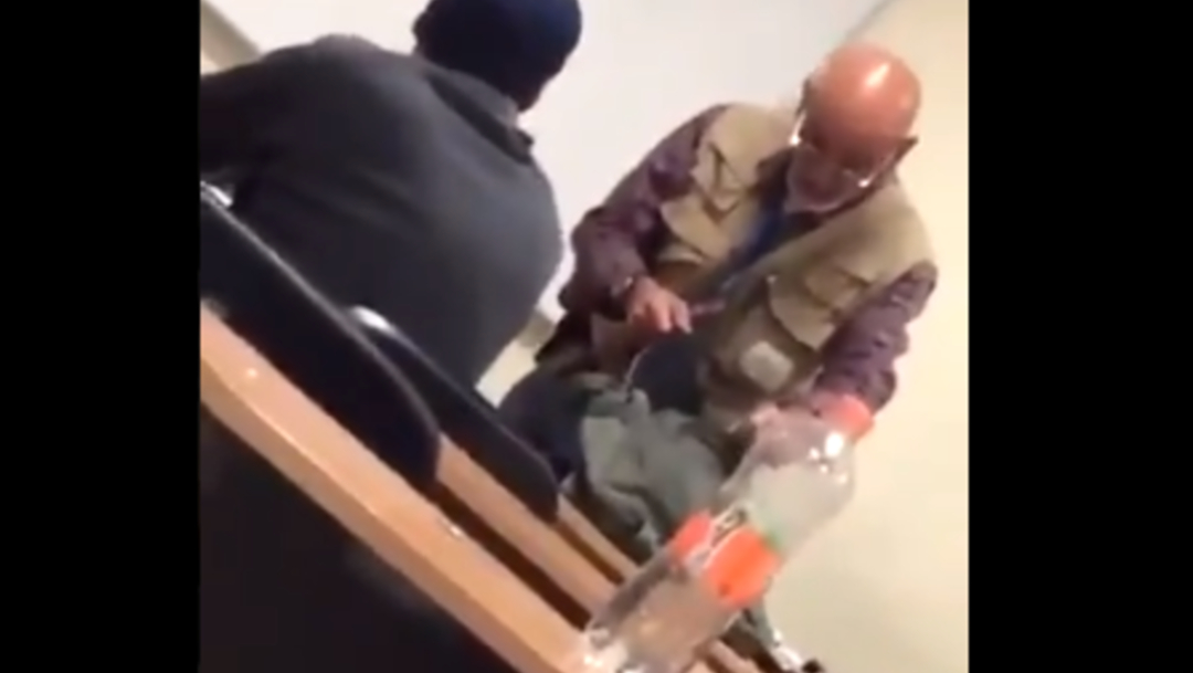 "FOTO Por acoso, destituyen a profesor de Prepa 1 UAEMex, que había dicho ""la carne es débil"" (Twitter)"