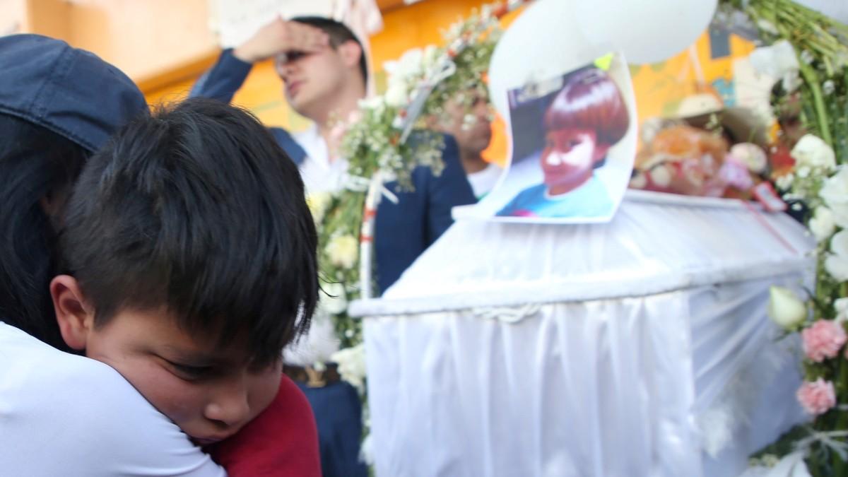 Foto: Miles asistieron al velorio de la niña Fátima. Cuartoscuro