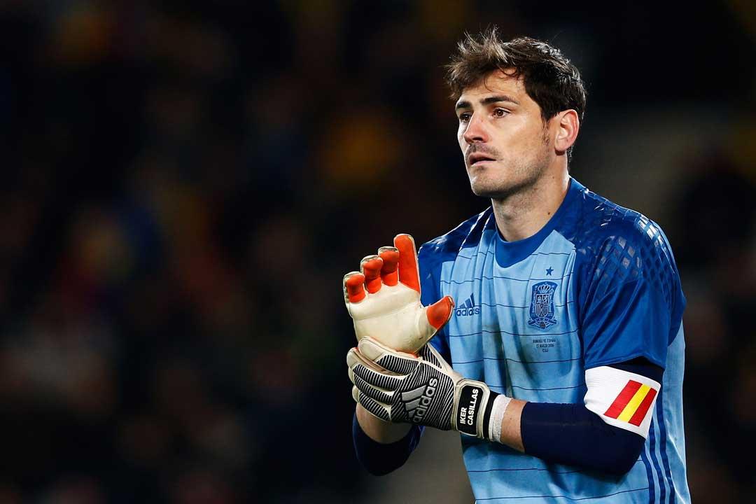 27/03/2016. Iker Casillas defendiendo el arco de la Selección de España.
