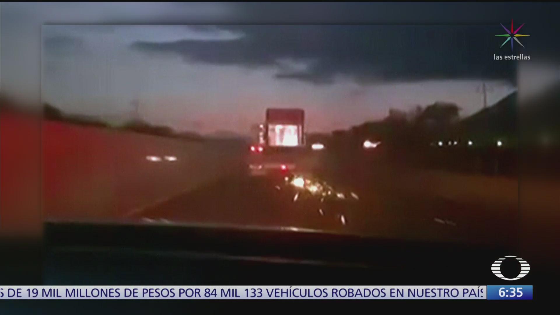 sujeto roba trailer y choca varios vehiculos en monclova coahuila