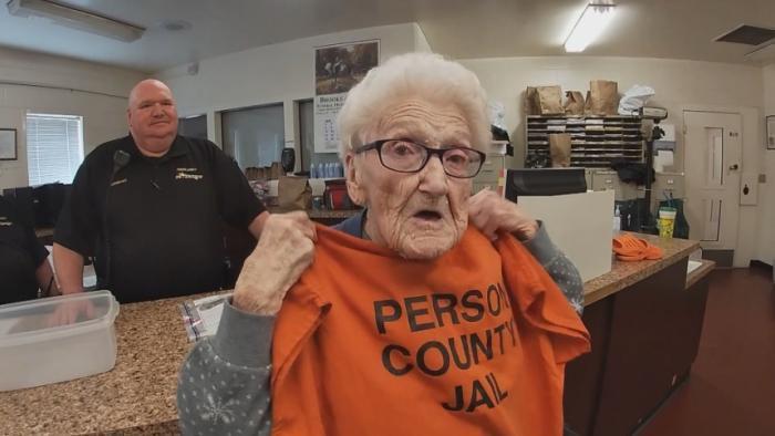 Foto: Mujer de 100 años cumple sueño de ir a prisión, 04 de marzo de 2020, (WRAL)