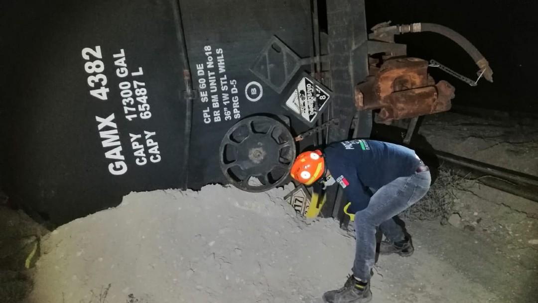 Descarrila tren con material tóxico en Puebla; evacuan zonas