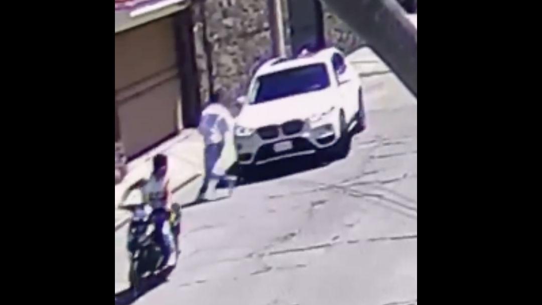 Foto Video: Automovilista que iba llegando en su camioneta escapó de asalto 2 marzo 2020