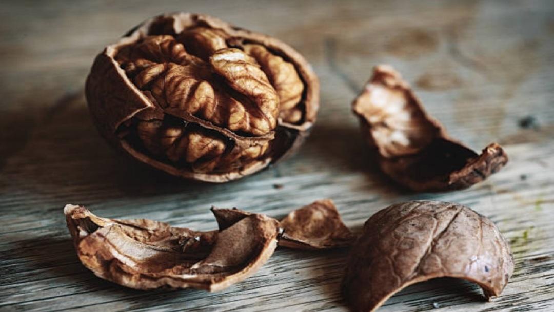 Nueces: Propiedades y beneficios para la salud de comer este fruto seco a diario