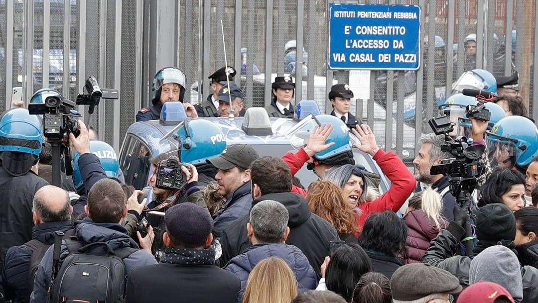 Foto: Once presos muertos en Italia por motines a causa de coronavirus