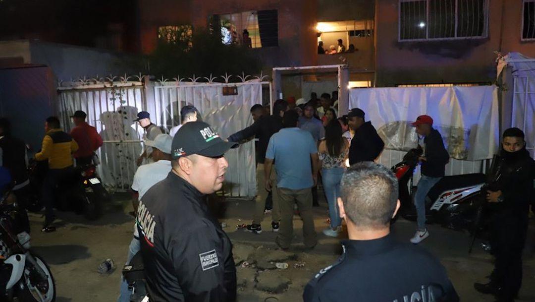 """Foto Desalojan a jóvenes de fiesta en Ecatepec por no respetar el """"Quédate en casa"""" 13 abril 2020"""