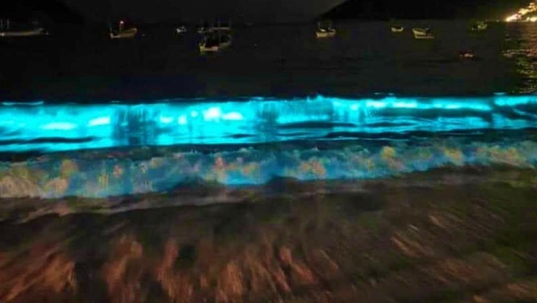 Bioluminiscencia-Playas-Acapulco-fluorescente-Luminiscencia-Playa-Fluorescente-Mar-de-Acapulco-se-Ilumina, 25 de abril 2020
