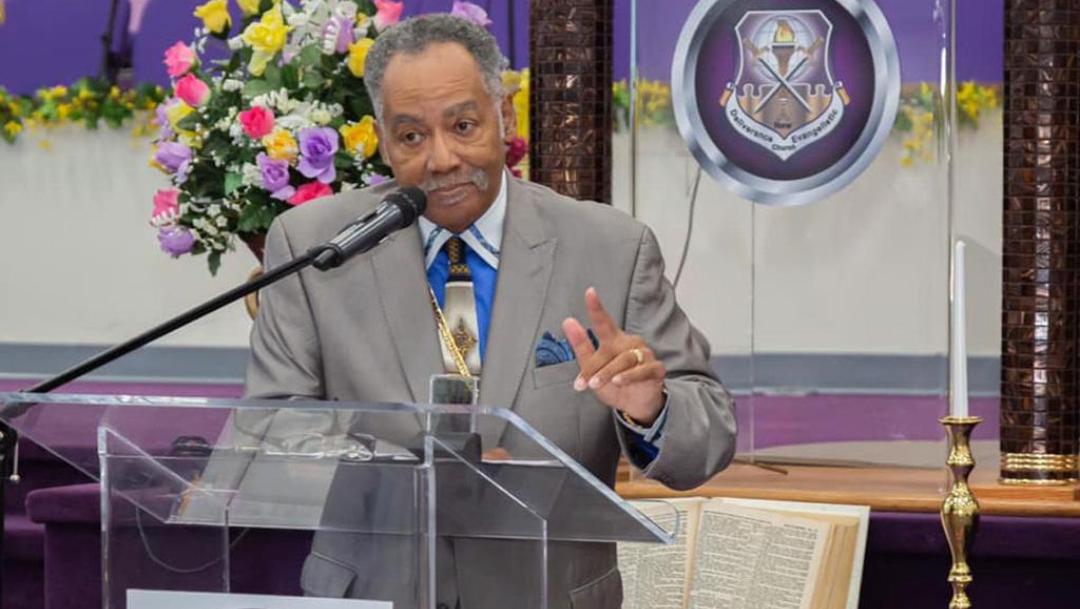 Pastor muere en Virginia tras dar misas pese a coronavirus