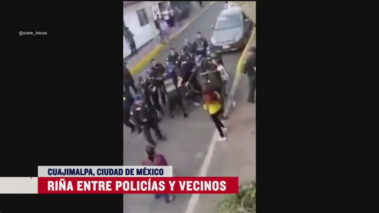 FOTO: habitantes de cuajimalpa rinen con policias hay mujeres lesionadas