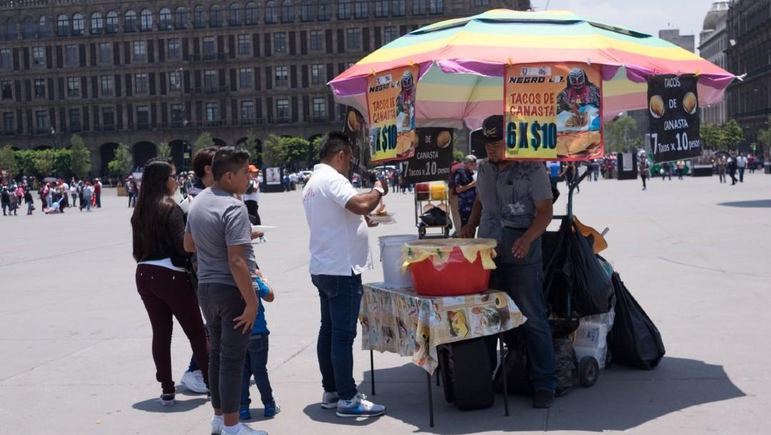 Mayoría de mexicanos trabaja en el sector informal: INEGI