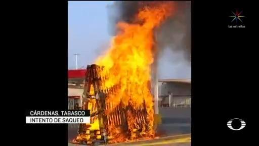 Foto: Video Policías De Tabasco Disparan Al Aire Para Evitar Saqueo en Tienda 24 Abril 2020