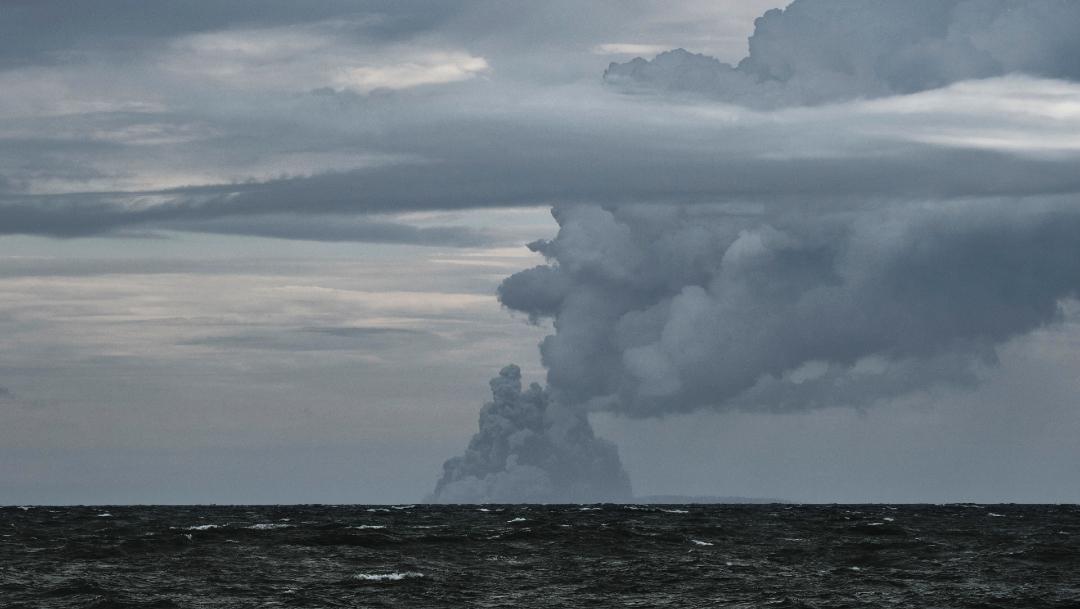 FOTO: Se registran explosiones en 15 volcanes tras erupción del Krakatoa