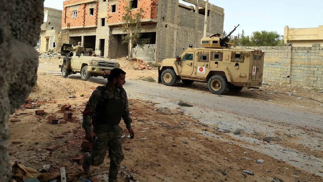 Explosión de coche bomba causa la muerte de dos agentes en Libia